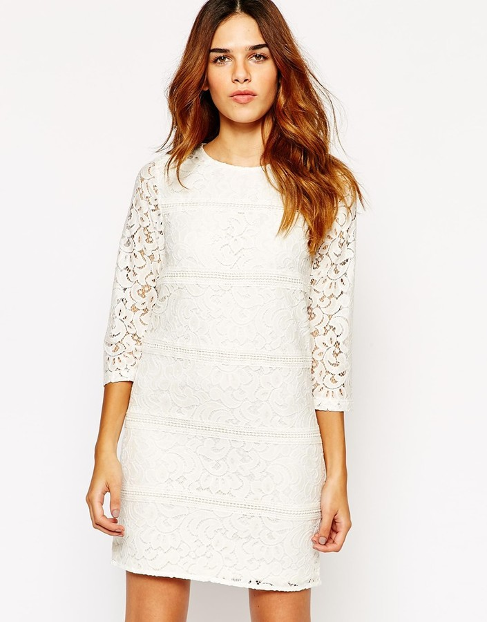 18486c3ca ... Vestido recto de encaje blanco de Warehouse ...