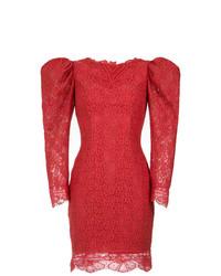 Vestido recto de encaje rojo de Martha Medeiros