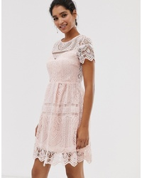 Vestido recto de encaje rosado de Liquorish