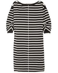 Vestido recto de rayas horizontales en blanco y negro de Marc Jacobs