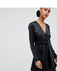 Vestido recto de satén negro de Boohoo