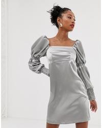 Vestido recto plateado de Reclaimed Vintage