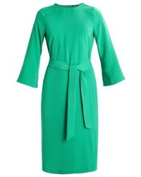 Vestido recto verde de KIOMI