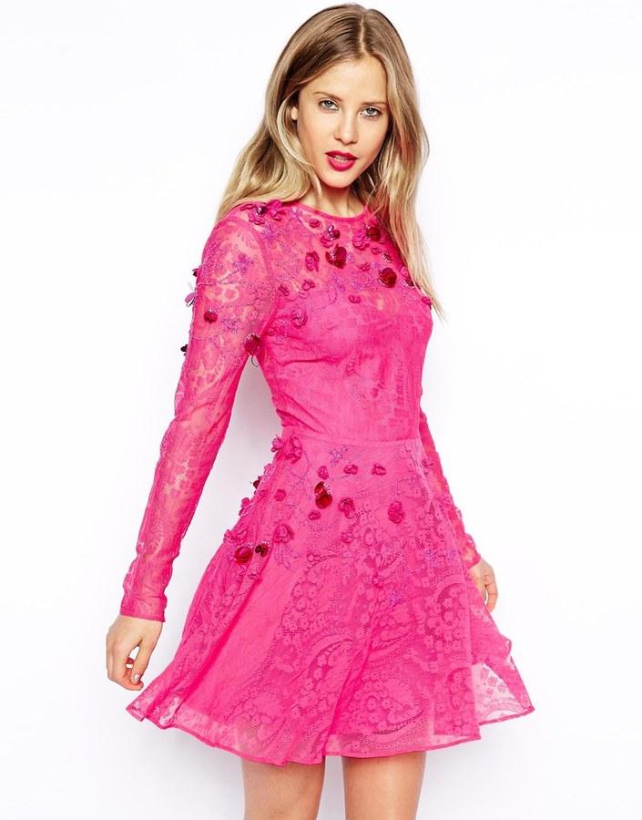 Vestido Skater de Encaje Rosa de Asos: dónde comprar y cómo combinar