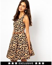 Vestido skater de leopardo amarillo de Glamorous