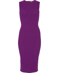 Vestido tubo de crochet en violeta de Victoria Beckham