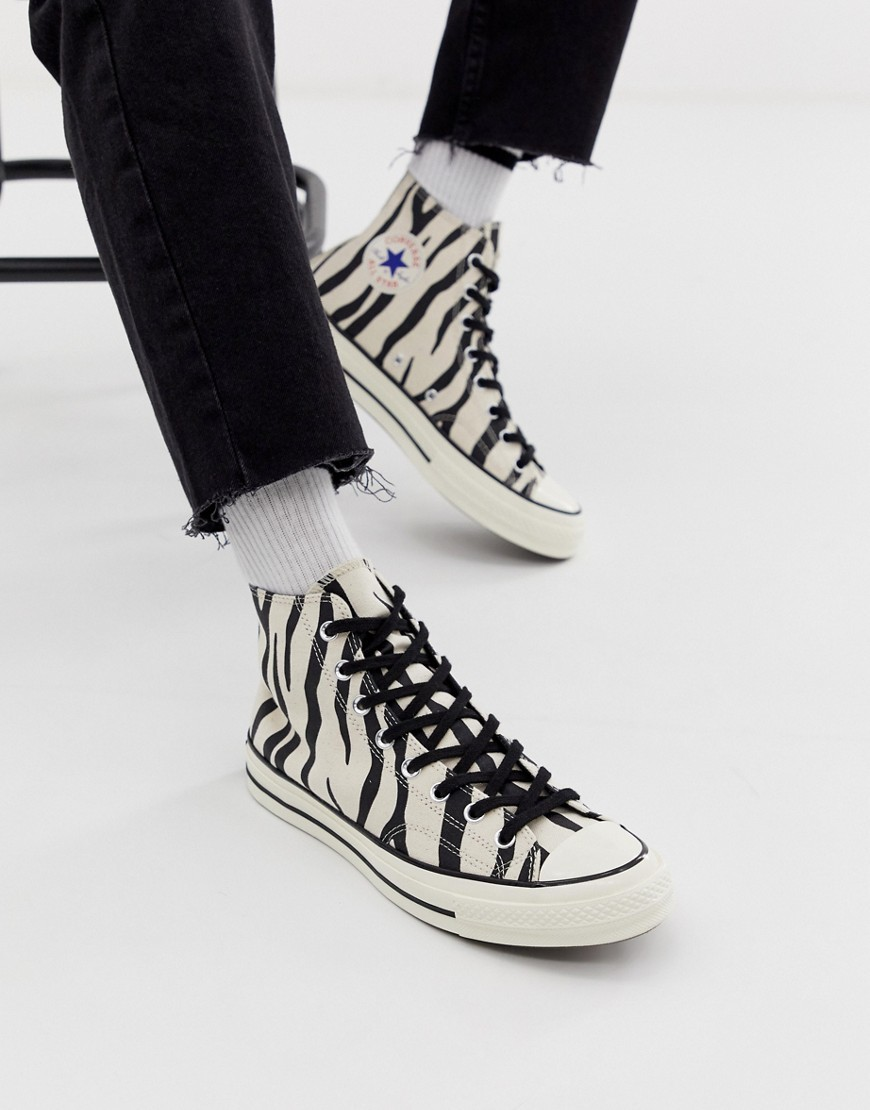 revolución bandera nacional Miserable  Zapatillas altas de lona estampadas en blanco y negro de Converse ...