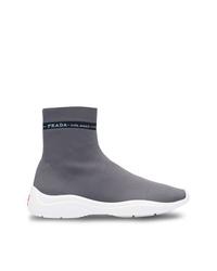 Zapatillas altas en gris oscuro de Prada