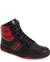 Zapatillas altas en rojo y negro