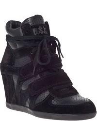 Zapatillas con cuña de ante negras