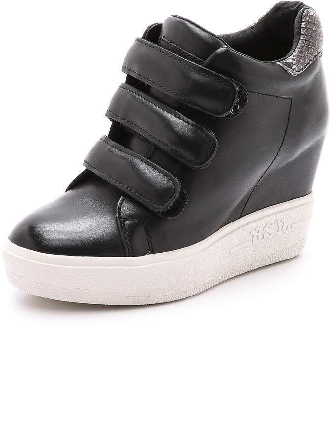 fdb7c761 Zapatillas con cuña de cuero negras de Ash, €246 | shopbop.com ...