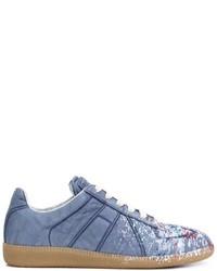 Zapatillas de ante con estampado geométrico celestes de Maison Margiela