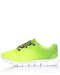 Zapatillas en amarillo verdoso