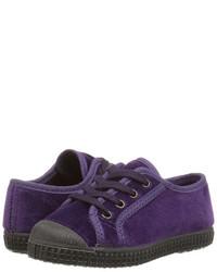 Zapatillas en violeta