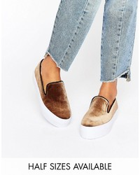 Zapatillas slip-on marrónes de Asos