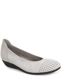 Zapatos bajos grises