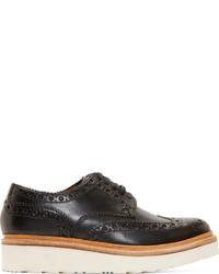 Zapatos brogue de cuero en negro y blanco de Grenson