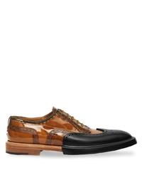 Zapatos brogue de cuero en tabaco de Burberry