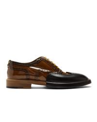 Zapatos brogue de cuero marrónes de Burberry