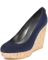 Zapatos con cuña de ante azul marino de Stuart Weitzman