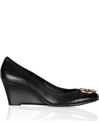 Zapatos con cuña de cuero negros de Tory Burch