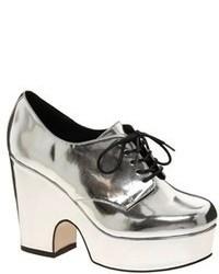 Zapatos con cuña de cuero plateados de Asos