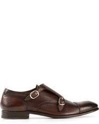 Zapatos con doble hebilla de cuero en marrón oscuro
