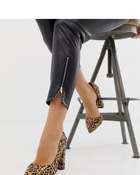 Zapatos de tacón de ante de leopardo marrón claro de ASOS DESIGN