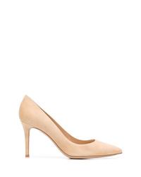 Zapatos de tacón de ante en beige de Gianvito Rossi