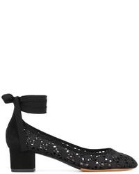 Zapatos de tacón de crochet negros de Tabitha Simmons