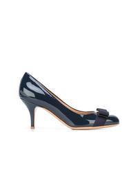 Zapatos de tacón de cuero azul marino de Salvatore Ferragamo