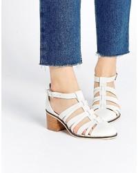 Zapatos de tacón de cuero blancos de Asos
