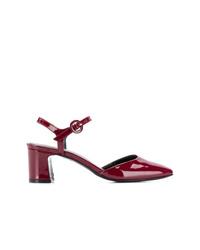 Zapatos de tacón de cuero burdeos de Carel