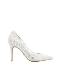 Zapatos de tacón de cuero con adornos blancos de Michael Kors