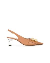 Zapatos de tacón de cuero con adornos marrón claro de Marni