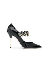 Zapatos de tacón de cuero con adornos negros de Dolce & Gabbana