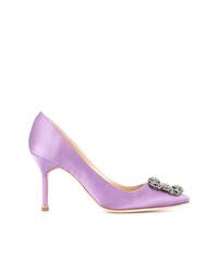 Zapatos de tacón de cuero con adornos violeta claro de Manolo Blahnik