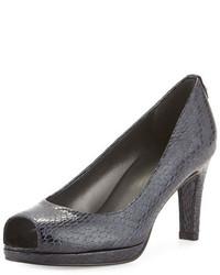 Zapatos de tacón de cuero con print de serpiente azul marino