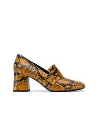 Zapatos de tacón de cuero con print de serpiente mostaza