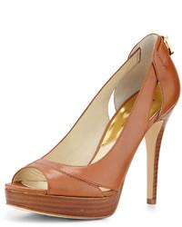Zapatos de tacón de cuero con recorte en tabaco