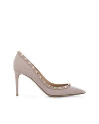 Zapatos de tacón de cuero con tachuelas grises de Valentino