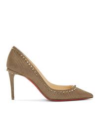 Zapatos de tacón de cuero con tachuelas marrónes de Christian Louboutin
