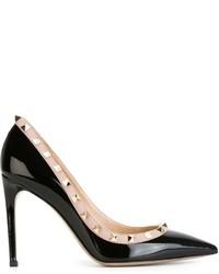 Zapatos de tacón de cuero con tachuelas negros de Valentino Garavani