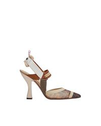 Zapatos de tacón de cuero de rayas horizontales marrón claro de Fendi