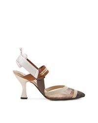 Zapatos de tacón de cuero en beige de Fendi