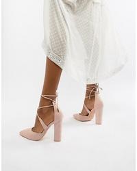 Zapatos de tacón de cuero en beige de Glamorous