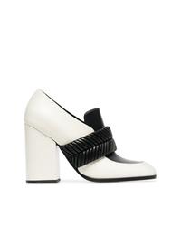 Zapatos de tacón de cuero en blanco y negro de Proenza Schouler