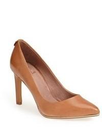 Zapatos de tacón de cuero en tabaco