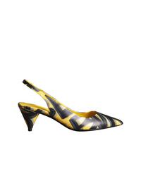 Zapatos de tacón de cuero estampados amarillos de Burberry