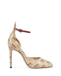 Zapatos de tacón de cuero estampados marrón claro de Gucci